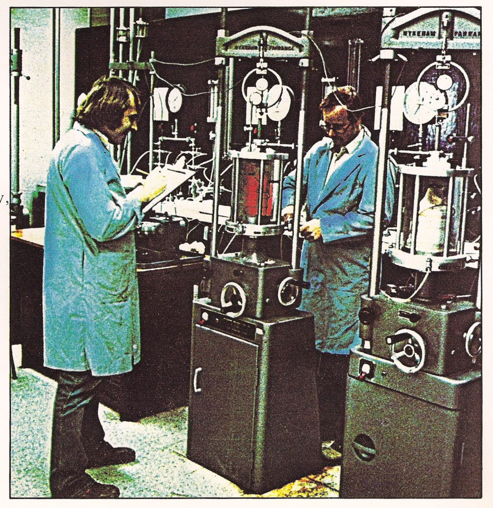 randy and dave in the lab